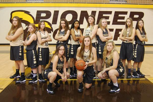 2017-18 Varsity Lady Pioneer Basketball